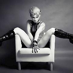 BDSM glamorous.